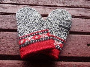 エストニア 毛糸の手編み手袋 ミトン 伝統模様 赤