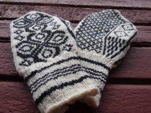 エストニア 毛糸の手編み手袋 ミトン 伝統模様 大きいサイズ