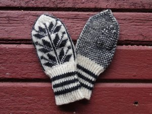 エストニア 毛糸の手編み手袋 ミトン 伝統模様 小さいサイズ