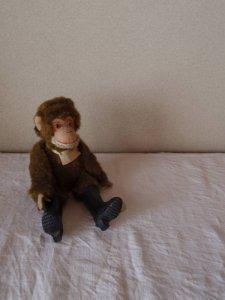ハンガリー ビンテージ 長靴を履いた猿 hungary vintage doll monkey wears rain boots