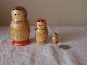 ヴィンテージ ぽってりマトリョーシカ3人姉妹・VINTAGE OLD Matyoshka Russian nesting doll