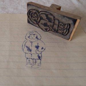 アメリカの古い教材ハンコ イヌイットの子 usa vintage stamp seal inuit child