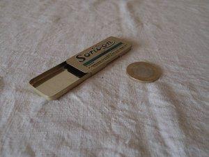ハンガリー SORIDON 薬の缶 カン ティン soridon saridon vintage tin