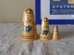 ヴィンテージ 三角形のマトリョーシカ3人姉妹・VINTAGE OLD Matyoshka Russian nesting doll
