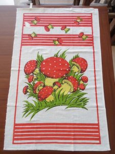 ルーマニア デッドストックのキッチンリネン タオル レトロ きのこ Romania deadstock kitchen cloth mushroom
