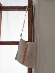 ハンガリー ビンテージ 手織りリネンのサコッシュライン赤1 linen canbus sacosh