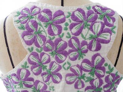 ハンガリー ビンテージ すみれ 刺繍 ベスト 民族衣装 Hungary violet embroidely vest