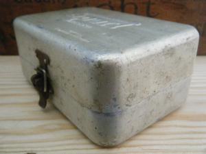 ハンガリー蚤の市 50'シンプルなアルミのボックス2・ANTIQUE VINTAGE OLD almium sport presso box tin