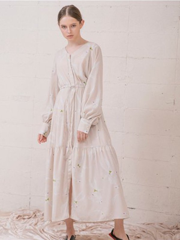 <img class='new_mark_img1' src='//img.shop-pro.jp/img/new/icons11.gif' style='border:none;display:inline;margin:0px;padding:0px;width:auto;' />Flower Print Long Dress