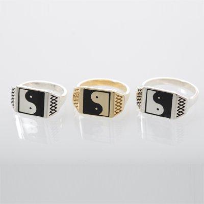 SQURE YING YANG ring