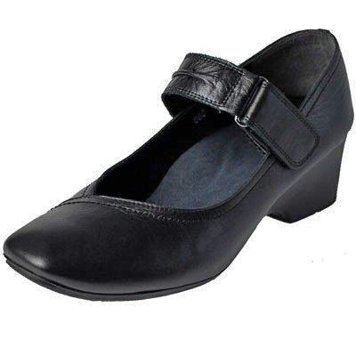 楽な靴】キレイ目の履きやすい ...