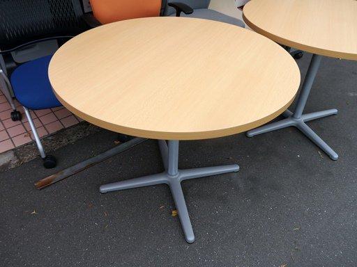 【中古品】 ライオン 丸テーブル Φ900
