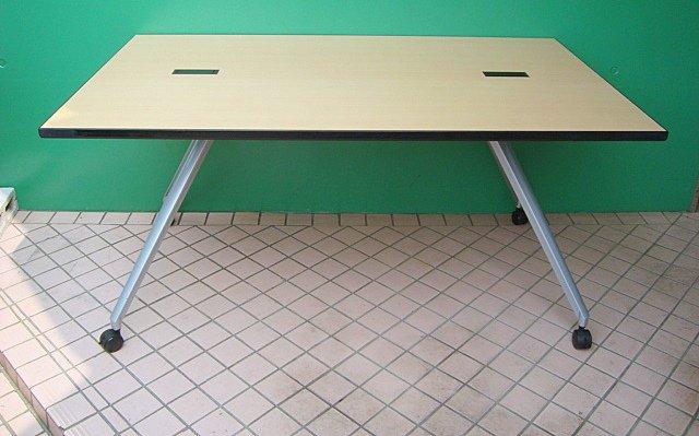 【中古品】コクヨ 1590テーブル V字脚タイプ キャスター付