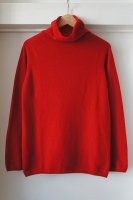 <img class='new_mark_img1' src='//img.shop-pro.jp/img/new/icons50.gif' style='border:none;display:inline;margin:0px;padding:0px;width:auto;' />Johnstons ( SCOTLAND ) 3PLY HIGH NECK SWEATER