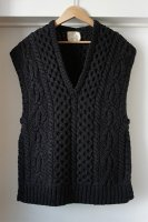 <img class='new_mark_img1' src='https://img.shop-pro.jp/img/new/icons50.gif' style='border:none;display:inline;margin:0px;padding:0px;width:auto;' />[ JUN MIKAMI ] HAND KNIT VEST