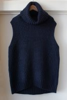 [ CINOH ] NO SLEEVE TURTLE NECK KNIT