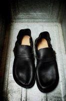 Aurora Shoes ( N.Y.C. ) Middle English