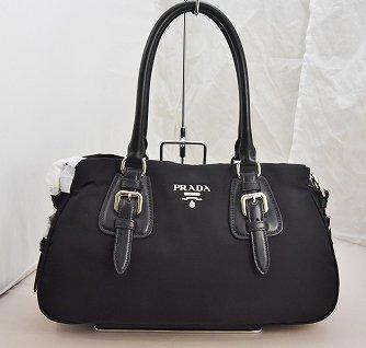 PRADA 黒ナイロン2WAYバッグ
