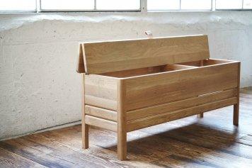 Form & Refine A Line Storage Bench フォーム&リファイン エーライン ストレージ ベンチ