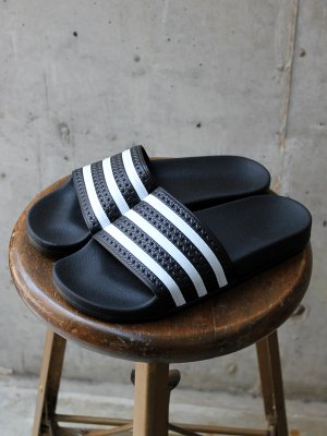 <img class='new_mark_img1' src='//img.shop-pro.jp/img/new/icons20.gif' style='border:none;display:inline;margin:0px;padding:0px;width:auto;' />【20%OFF】 ADIDAS  ADILETTE 【アディレッタ】