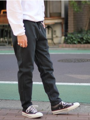 <img class='new_mark_img1' src='//img.shop-pro.jp/img/new/icons15.gif' style='border:none;display:inline;margin:0px;padding:0px;width:auto;' />【FLISTFIA】 Relaxed Trousers
