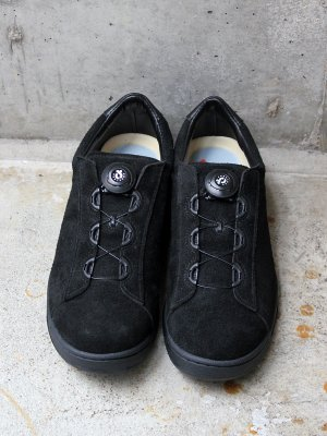 <img class='new_mark_img1' src='//img.shop-pro.jp/img/new/icons15.gif' style='border:none;display:inline;margin:0px;padding:0px;width:auto;' />【ptarmigan】  SUEDE COURT SHOES (BLACK)