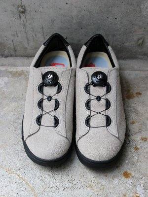 <img class='new_mark_img1' src='//img.shop-pro.jp/img/new/icons15.gif' style='border:none;display:inline;margin:0px;padding:0px;width:auto;' />【ptarmigan】  SUEDE COURT SHOES (GRAY)