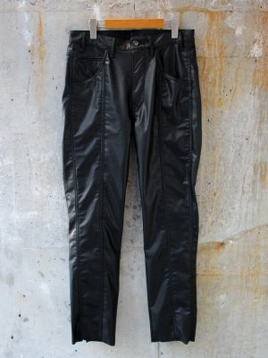 <img class='new_mark_img1' src='//img.shop-pro.jp/img/new/icons15.gif' style='border:none;display:inline;margin:0px;padding:0px;width:auto;' />【bukht】 BACK SLIT LEATHER PANTS -1色展開-