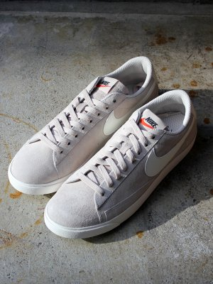 <img class='new_mark_img1' src='//img.shop-pro.jp/img/new/icons20.gif' style='border:none;display:inline;margin:0px;padding:0px;width:auto;' />30%OFF 【NIKE】 W BLAZER LOW SD   -2色展開-