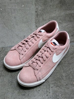 <img class='new_mark_img1' src='//img.shop-pro.jp/img/new/icons15.gif' style='border:none;display:inline;margin:0px;padding:0px;width:auto;' /> 【NIKE】 W BLAZER LOW SD   -1色展開-