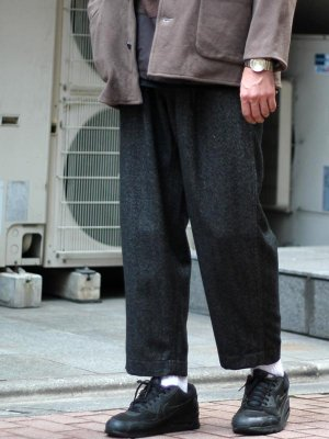 <img class='new_mark_img1' src='//img.shop-pro.jp/img/new/icons15.gif' style='border:none;display:inline;margin:0px;padding:0px;width:auto;' />【bukht】2TUCK ARMY TROUSERS  -2色展開-