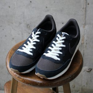 <img class='new_mark_img1' src='//img.shop-pro.jp/img/new/icons20.gif' style='border:none;display:inline;margin:0px;padding:0px;width:auto;' />【30%OFF】 NIKE  チャレンジャー