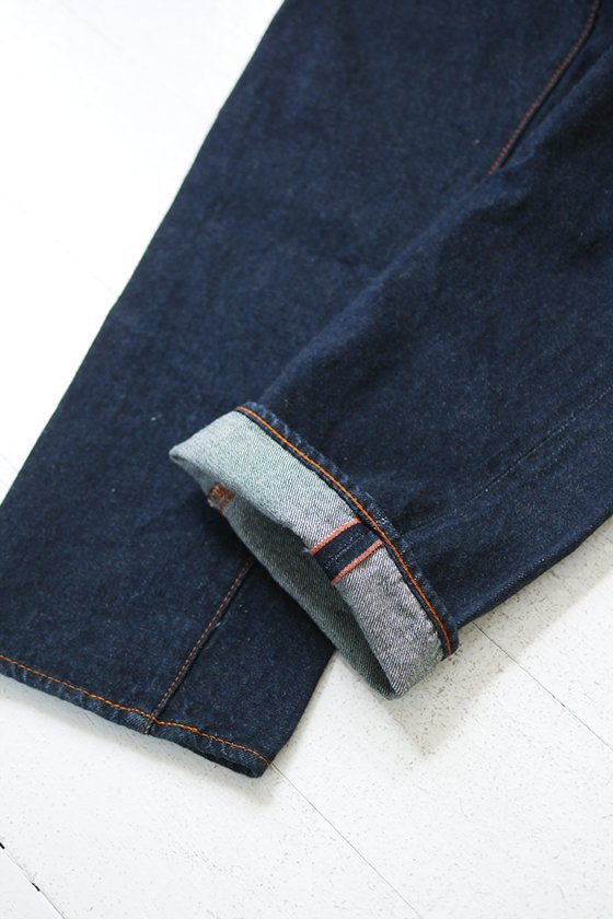 KATO` NEW DENIM Back Flap Pocket Straight Denim Pants (mens/ladies)