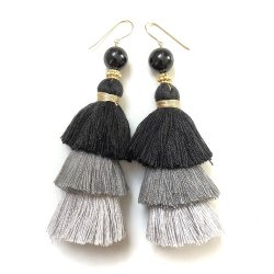 GRAY GRADATION TASSEL PIERCE EARRING
