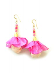 PINK FLOWER JADE SHELL PIERCE EARRING