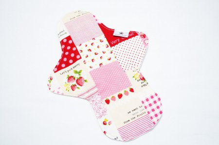 一体型M Strawberry patchwork