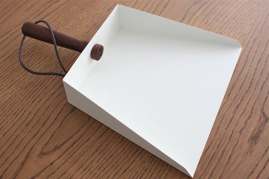 アイアンちりとり【カフェ雑貨】オフホワイト |w25×d5.5×h34.5cm