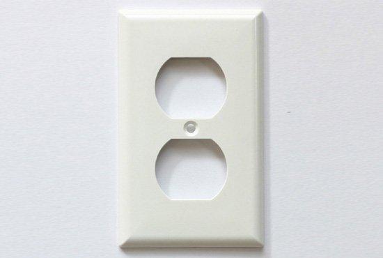 コンセントプレート 2口/プラスチック/白
