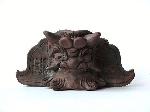 鬼哲作「飾り鬼」j 登り窯にて焼成の逸品   サイズ:高さ66ミリ×幅138ミリ程度