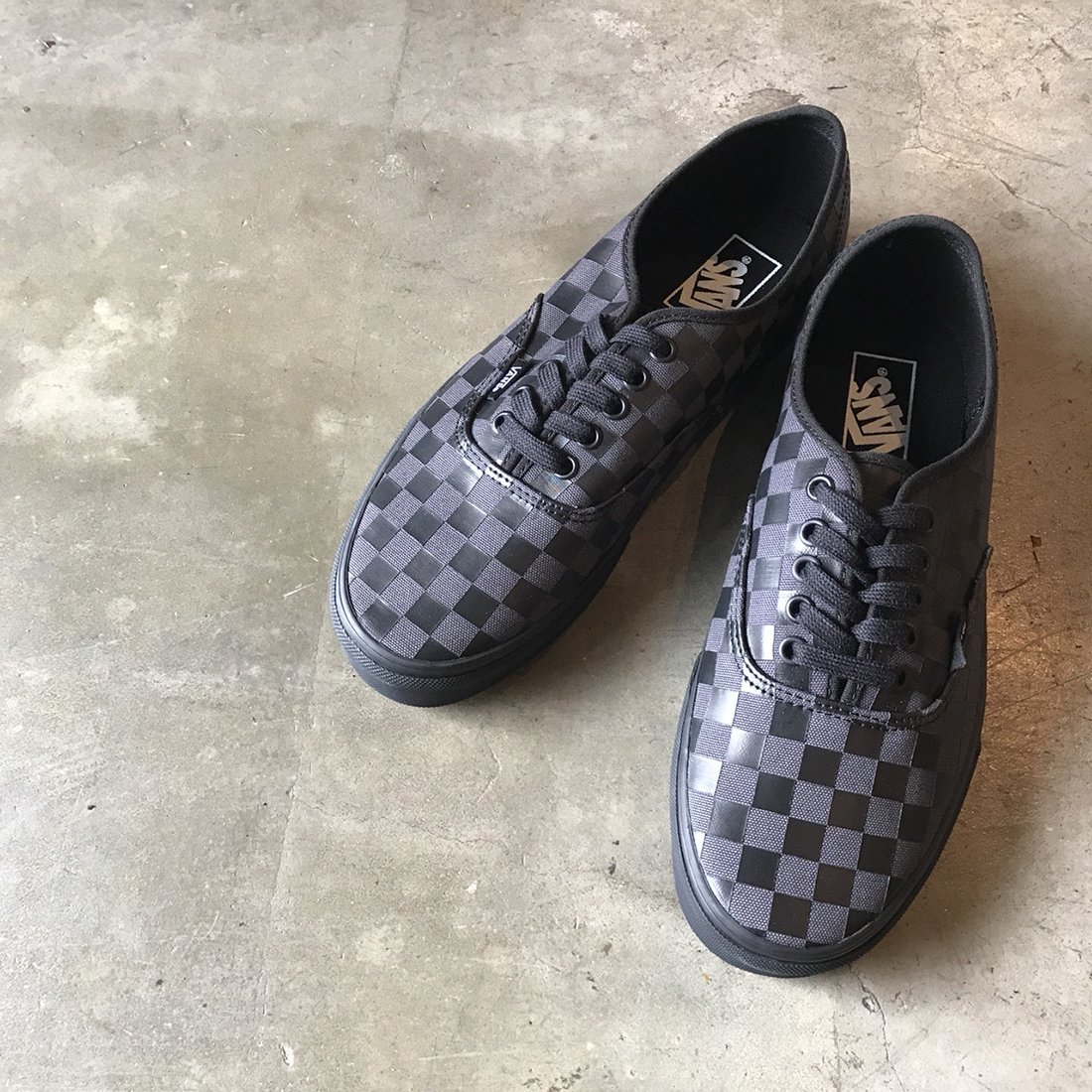 VANS #AUTHENTIC -BLACK/CHECKERBOARD