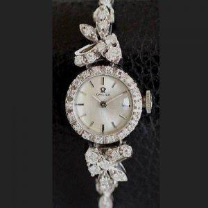 オメガ 花とリボンのモチーフ ダイヤブレスウォッチ レディースアンティーク時計