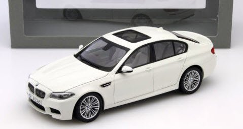 パラゴン  PA-97017 1/18 BMW F10M M5 アルペンホワイト LHD