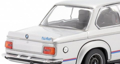 - 1973-943022204 MINICHAMPS 1//43 E20 BMW 2002 TURBO