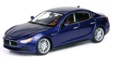 TOPMARQUES 1/18  マセラティ ギブリ Maserati Ghibli 2013 (メタリックブルー)