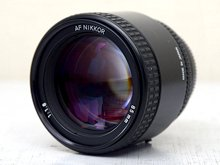 NIKON ニコン AF NIKKOR 85mm F1.8 中望遠レンズ