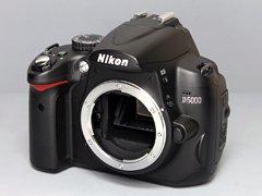 Nikon D5000 一眼レフカメラ