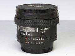 Nikon AF NIKKOR 20mm f2.8 広角単焦点レンズ