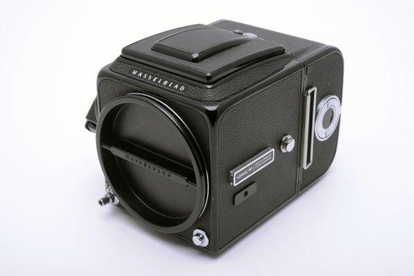 Hasselblad ハッセルブラッド ☆500C/Mボディ 黒 シュリロ正規品 +アキュートマットD+A12マガジン+WLファインダー