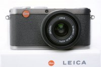 <img class='new_mark_img1' src='https://img.shop-pro.jp/img/new/icons15.gif' style='border:none;display:inline;margin:0px;padding:0px;width:auto;' />LEICA ライカ X1 スチールグレー 元箱、付属品一式