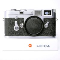 <img class='new_mark_img1' src='https://img.shop-pro.jp/img/new/icons15.gif' style='border:none;display:inline;margin:0px;padding:0px;width:auto;' />LEICA ライカ M3 後期 SS シングルストローク 1963年 102万番台 ドイツ製